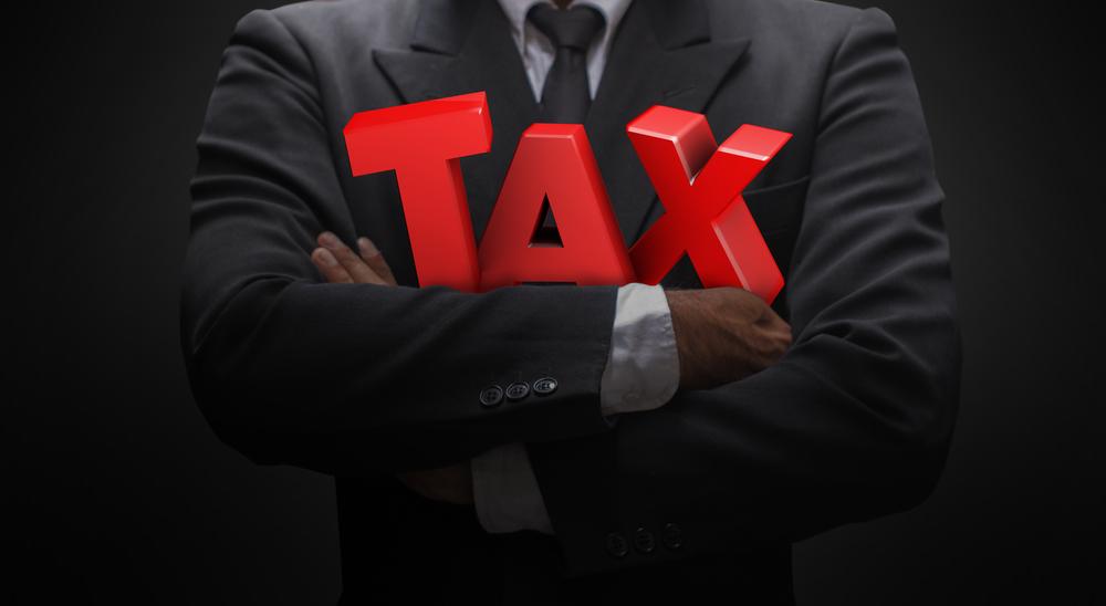 Πόσο θα ελαφρυνθούν οι ελ. επαγγελματίες από τη μείωση των εισφορών - Αναλυτικοί πίνακες