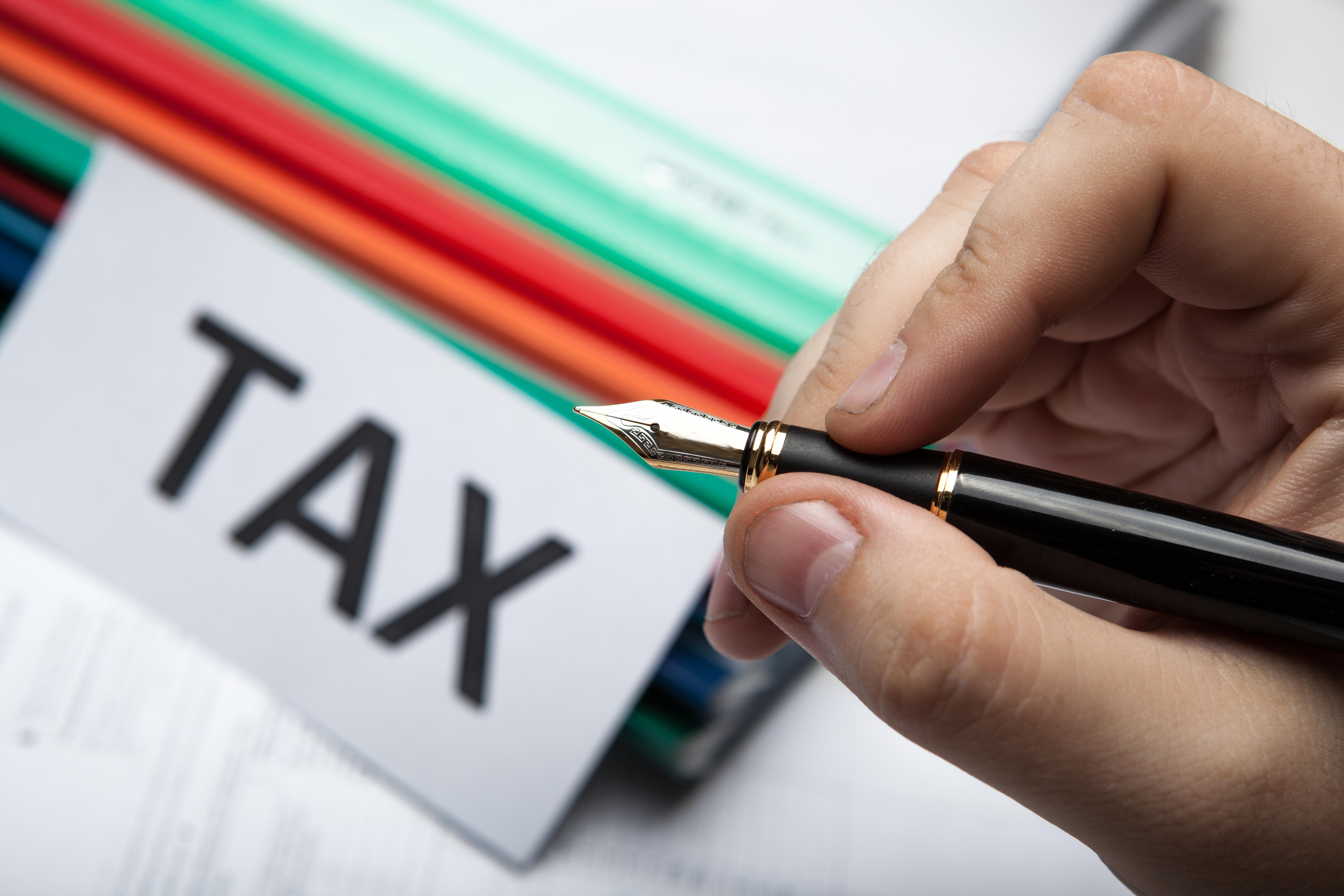 Τι πληρώσαμε σε φόρους το 2018 - Πόσο κοστίζουν οι απαλλαγές και οι μειώσεις φόρων στα δημόσια έσοδα