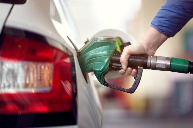 Υπ. Ανάπτυξης: Ενημέρωση για τις τιμές καυσίμων