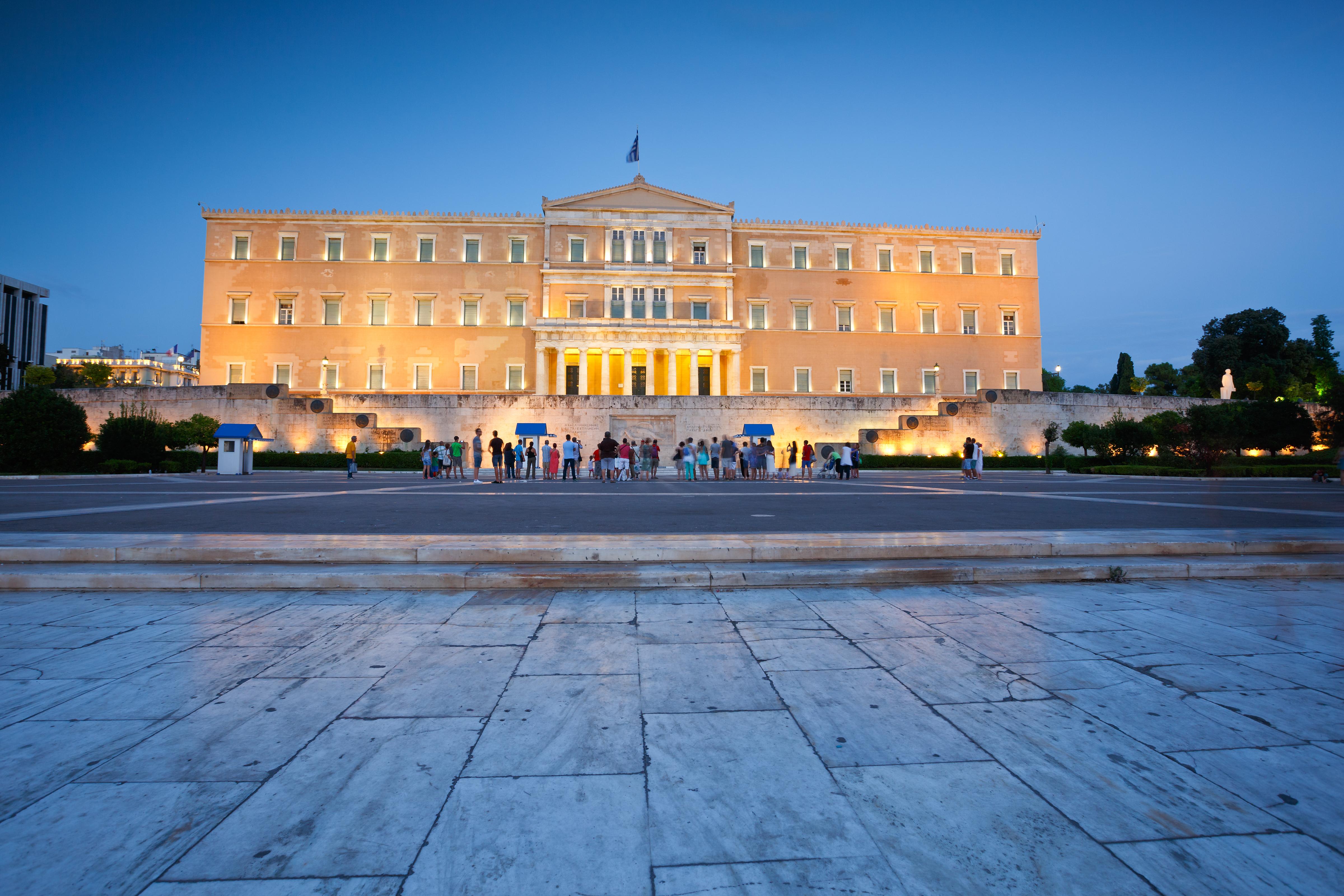 Κατατέθηκαν στη Βουλή οι συμφωνίες με Ιταλία και Αίγυπτο