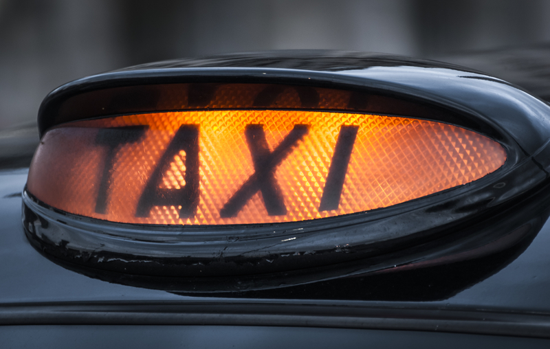 Το νέο κόμιστρο των ταξί σε Αττική, Θεσσαλονίκη, Καβάλα λόγω μείωσης του ΦΠΑ