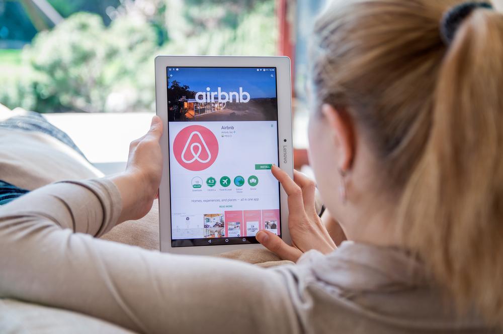Η ενοικίαση τύπου Airbnb - Η απόφαση της ΑΑΔΕ με όλες τις λεπτομέρειες για τις μισθώσεις τύπου Airbnb