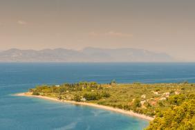 Το σχέδιο ανασυγκρότησης της Βόρειας Εύβοιας παρουσίασε το ΥπΑΑΤ στον Επίτροπο Γεωργίας
