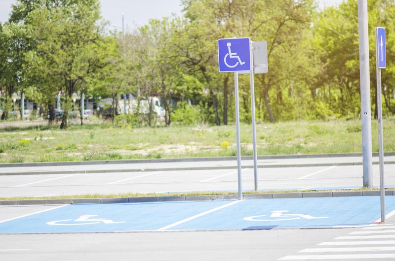 Παράταση ισχύος Δελτίων στάθμευσης ΑμεΑ και αδειών άσκησης επαγγελματικού οδικού μεταφορέα