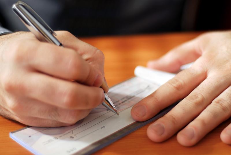 Μεταχρονολογημένες επιταγές: 75 μέρες παράταση για όλες τις επιταγές επιχειρήσεων που έκλεισαν με κρατική εντολή μέχρι 31/12 και για επιχειρήσεις που έχουν μείωση τζίρου άνω του 50%