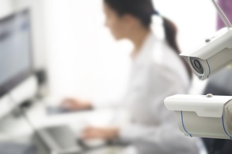 Επιβολή προστίμου για επιτήρηση εργαζομένου μέσω κάμερας