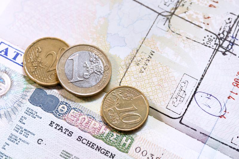 Golden visa: Προστίθενται στις επενδυτικές δραστηριότητες και οι άυλες επενδύσεις για τη χορήγηση άδεια εισόδου και διαμονής σε πολίτες τρίτων χωρών