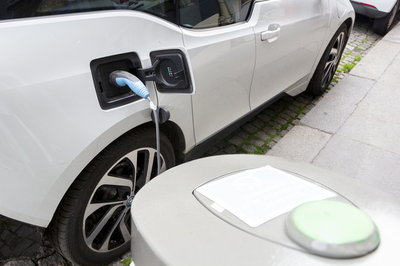 Κατατέθηκε στη Βουλή το νομοσχέδιο για την ηλεκτροκίνηση - Εξαιρούνται από το τεκμήριο διαβίωσης ηλεκτρικά οχήματα αξίας έως 50.000 ευρώ