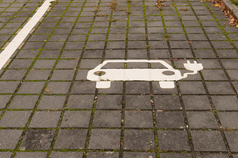 Ηλεκτροκίνηση: Στο αυριανό Υπουργικό Συμβούλιο το νομοσχέδιο - Παράταση οικοδομικών αδειών έως τα τέλη του 2022 - Νέος κύκλος Εξοικονόμηση Κατ' Οίκον
