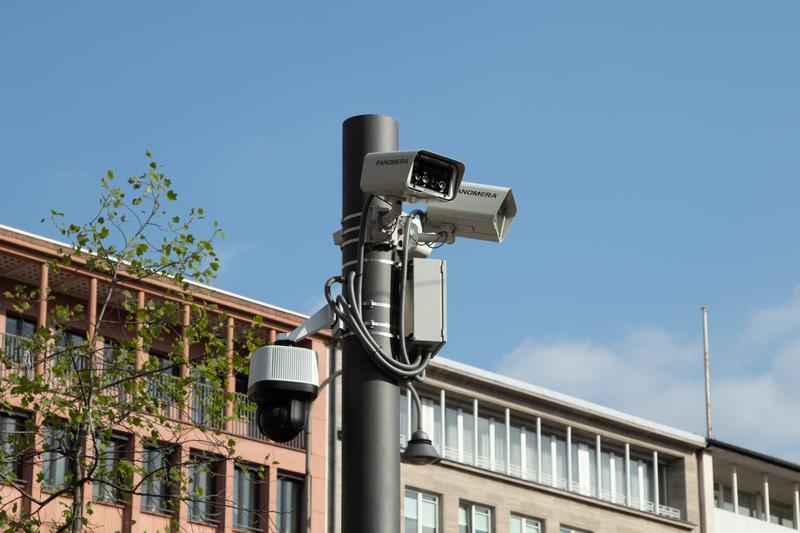Η γνωμοδότηση της Αρχής Προστασίας Δεδομένων Προσωπικού Χαρακτήρα σχετικά με τη χρήση καμερών σε δημόσιους χώρους