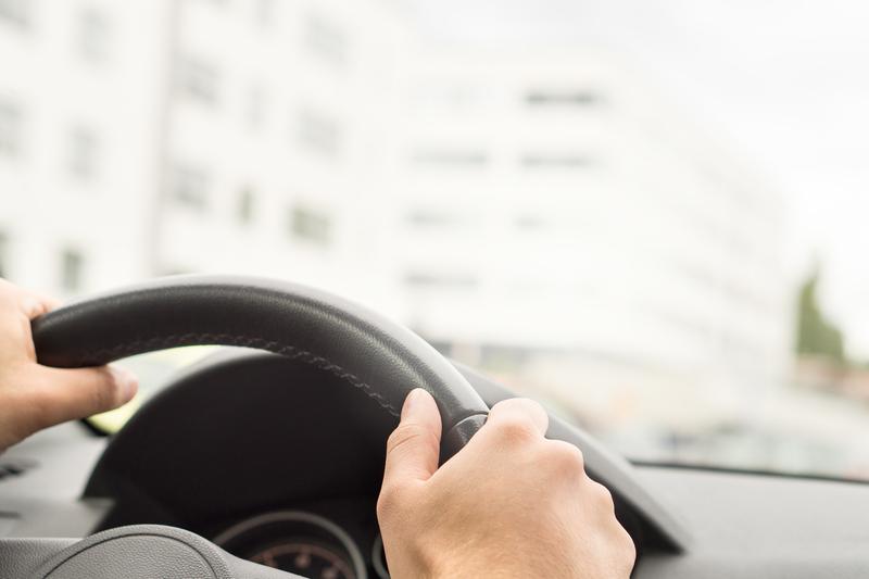 Δυνατότητα οδήγησης για νέους άνω των 17 ετών με συνοδό με το νέο νομοσχέδιο - Τα τέλη κυκλοφορίας για τα ιστορικά οχήματα - Τι αναφέρει για την αντικατάσταση των TAXI λόγω παλαιότητας