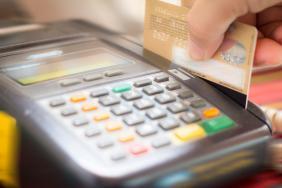 Ηλεκτρονικές συναλλαγές: Διεύρυνση φορολογικής βάσης για τα φορολογικά έτη 2021 έως και 2025 με έκπτωση από το φορολογητέο εισόδημα του 30% των δαπανών με ηλεκτρονικά μέσα πληρωμής σε ορισμένους τομείς
