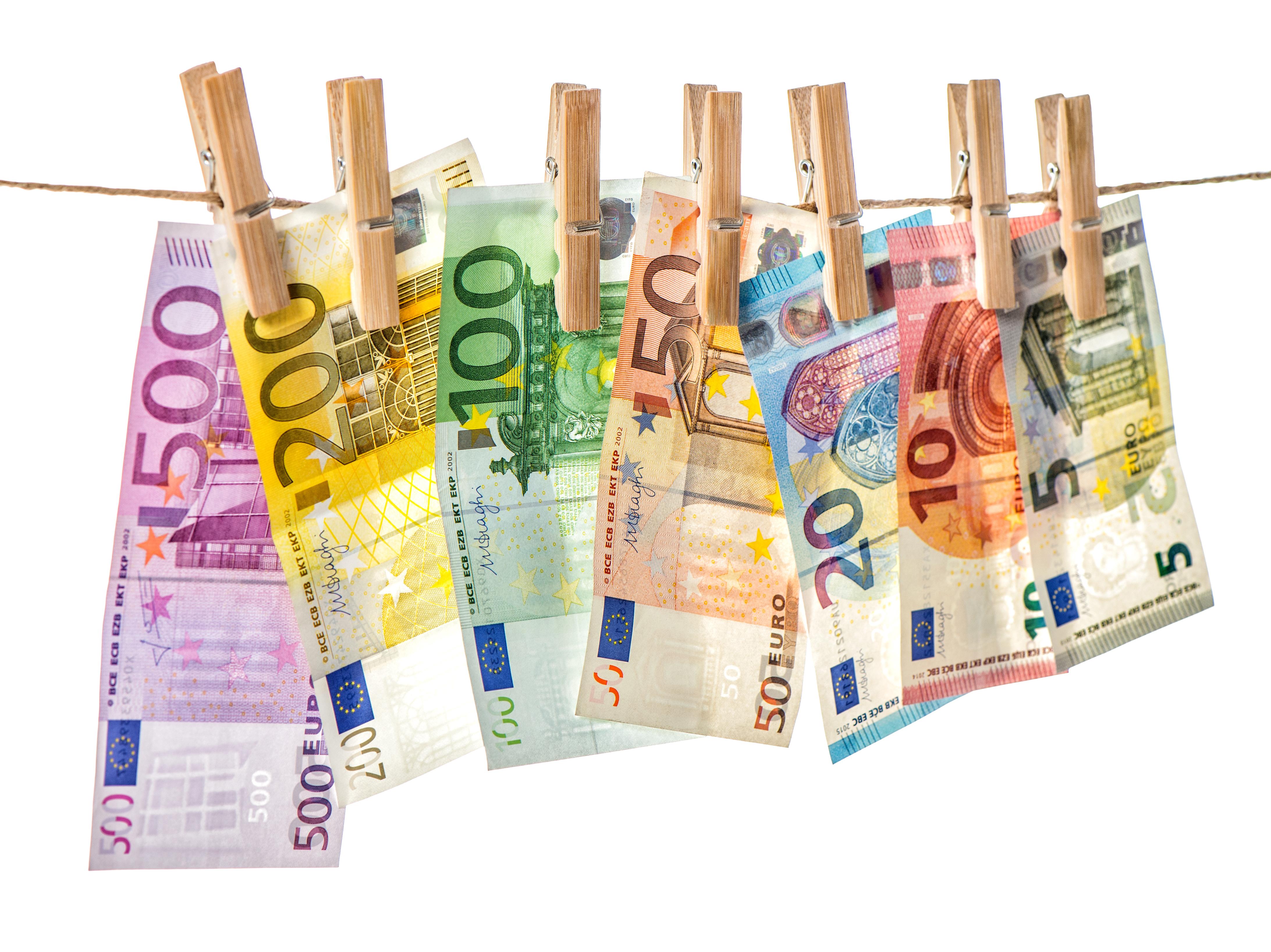 Υποχρεώσεις από τους Ορκωτούς Ελεγκτές Λογιστές και τις Ελεγκτικές Εταιρείες που συνδέονται με την πρόληψη και καταστολή της νομιμοποίησης εσόδων από εγκληματικές δραστηριότητες και της χρηματοδότησης της τρομοκρατίας (ΞΧ/ΧΤ)