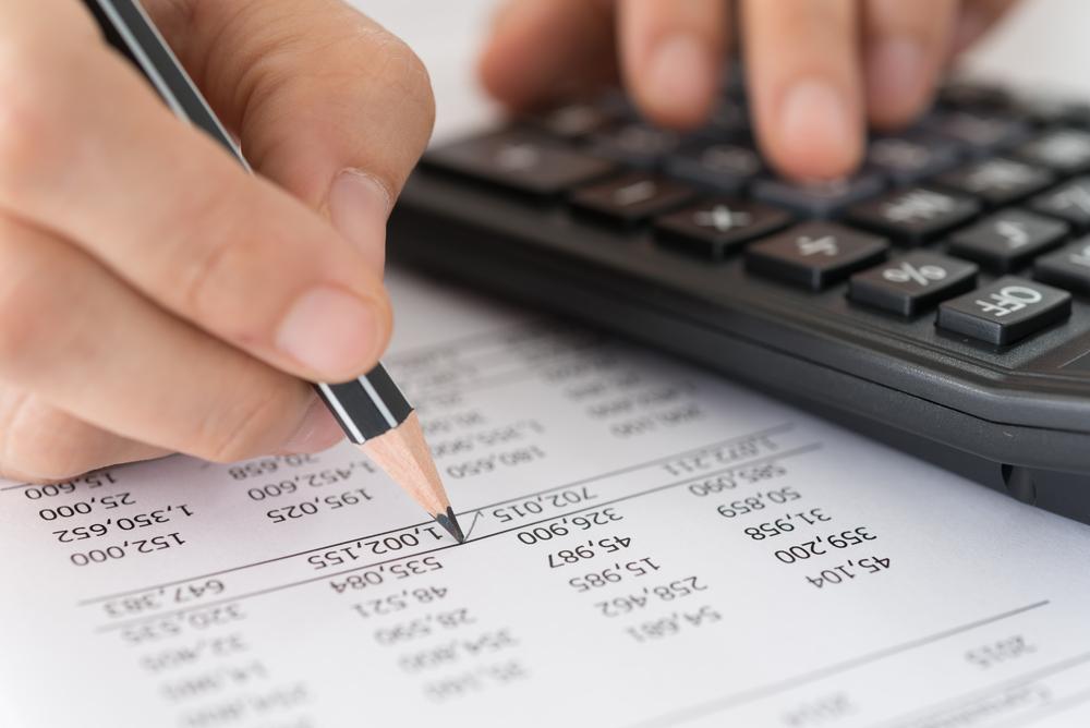 Υπογραφή ετήσιων χρηματοοικονομικών καταστάσεων στην περίπτωση κατά την οποία οι τράπεζες προχωρούν στη σύσταση άλλων (μητρικών) εταιρειών