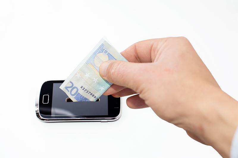 Ν. Παππάς: «Το τέλος επί των ηλεκτρονικών συσκευών είναι νόμος του Κράτους και εφαρμόζεται»