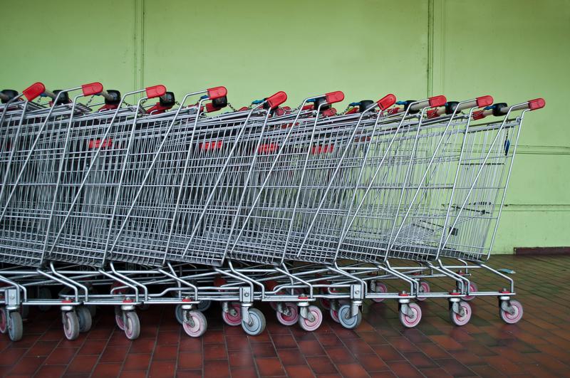 Την άμεση μείωση των τιμών και την ταχεία προσαρμογή της αγοράς διαβεβαίωσαν οι εκπρόσωποι των super markets