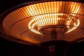 Εστίαση και προμήθεια θερμαντικών σωμάτων εξωτερικού χώρου: Από 4.1.2021 οι αιτήσεις επιχορήγησης των επιχειρήσεων