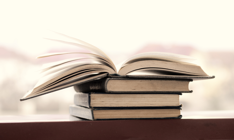 Voucher 20 ευρώ σε ανέργους ως 24 ετών για την αγορά βιβλίων