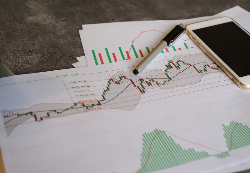Σταθεροποιητικές τάσεις στις ξένες αγορές και μικρή διακύμανση στο ελληνικό χρηματιστήριο