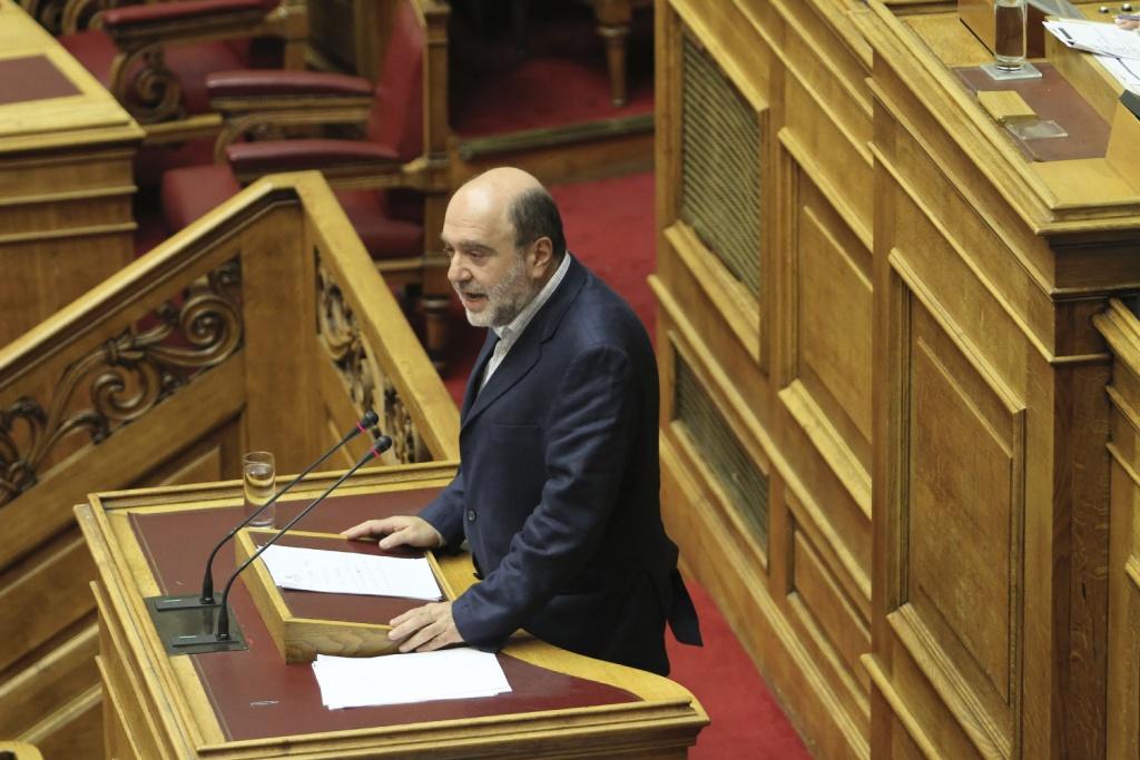 Τρ. Αλεξιάδης: Τα χρήματα του Ταμείου Ανάκαμψης ευκαιρία ενίσχυσης των μικρομεσαίων, των Περιφερειών, των υποδομών